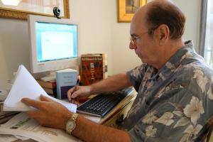 [Click to Enlarge] Luis Alberto Ambroggio at work on WhitmanWeb translations.