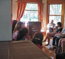"At Shambaugh House, students discuss the events of the ""Arab Spring."""