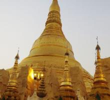10-Shwedagon Pagoda - 2500 years old. Legend has it that two merchant brothers met the Budda and he gave them 8 strands of his hair to be enshrined in Myanmar..jpg
